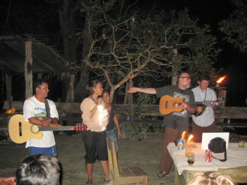 Bachi Bachi Bachi, a concert down by the river